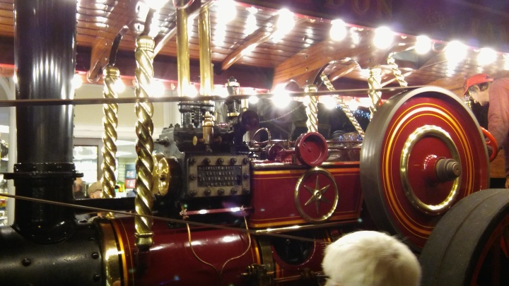 ex10-sidmouth-christmas-lights-steam-engine