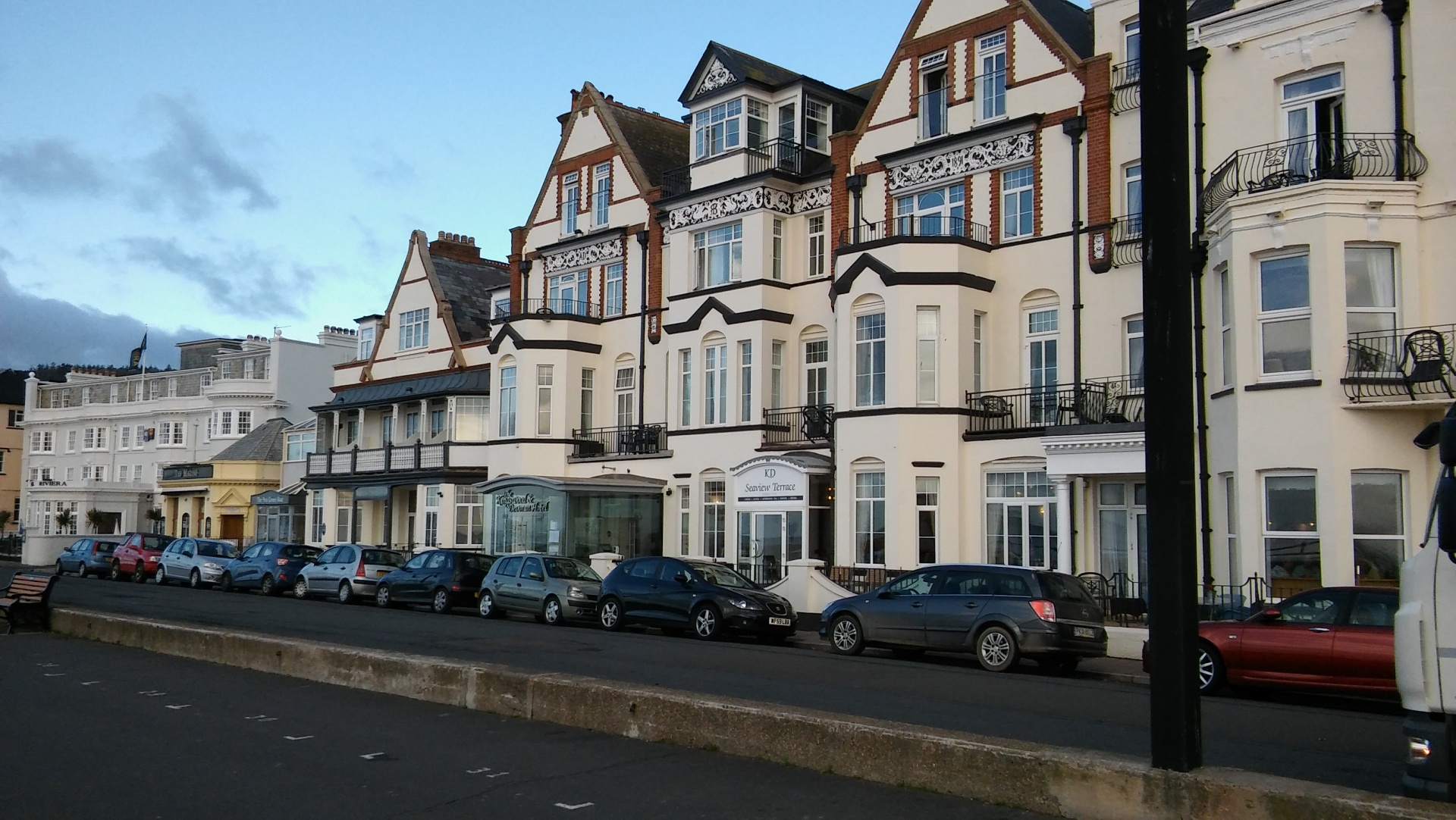 ex10-sidmouth-the-kingswood-and-devoran-hotel