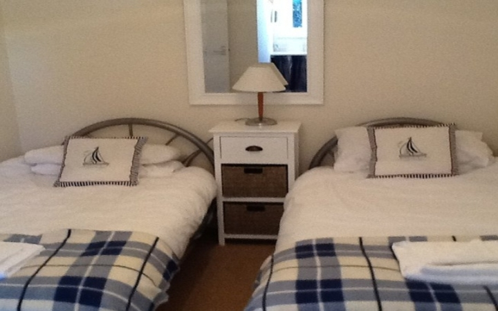 seagull cottage stoneleigh sidmouth bedroom