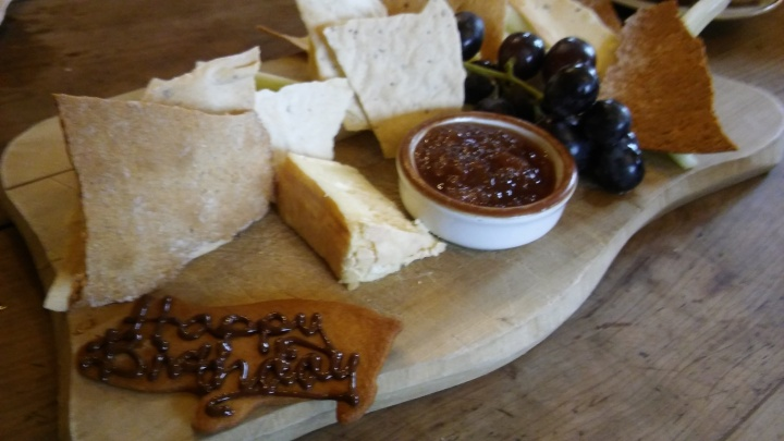 the pig honiton cheese board